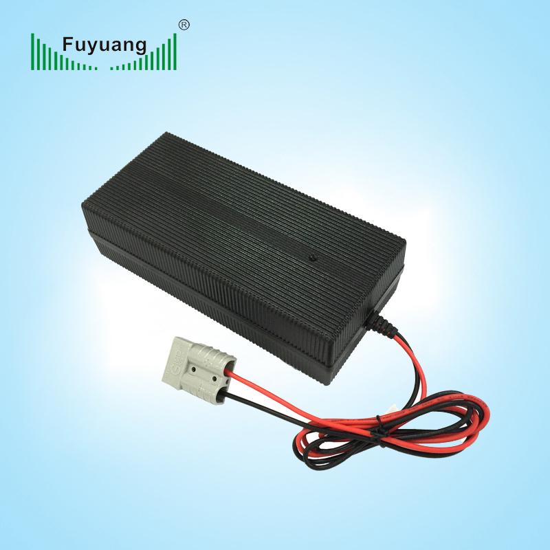 54.8V6A磷酸鐵鋰充電器、FY5506000