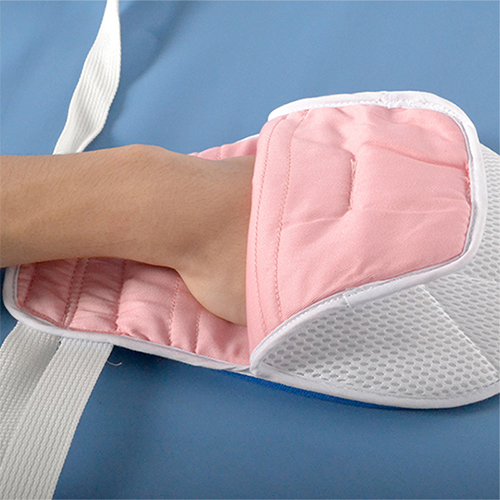 Comfortable aperture medical ICU multi-purpose against cupping restraint glove