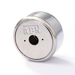 Magnetism controls ties a belt approximately controls with magnetism locks the fitting - alloy lock catch